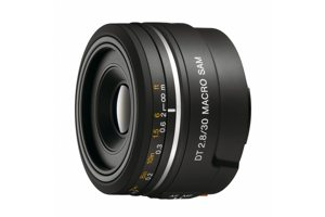 DT 30mm F2.8 SAM Macro Lens