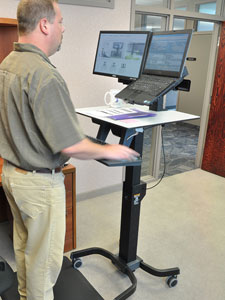 Amazon Com Ergotron Workfit C Lcd And Laptop Sit Stand
