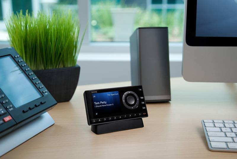 Amazon Com Xm Xdnx1h1 Onyx Dock And Play Radio With Home