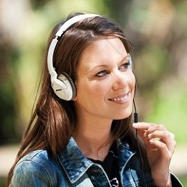 OE2i headphones are lightweight and comfortable for hours of on-the-go calls and music listening.