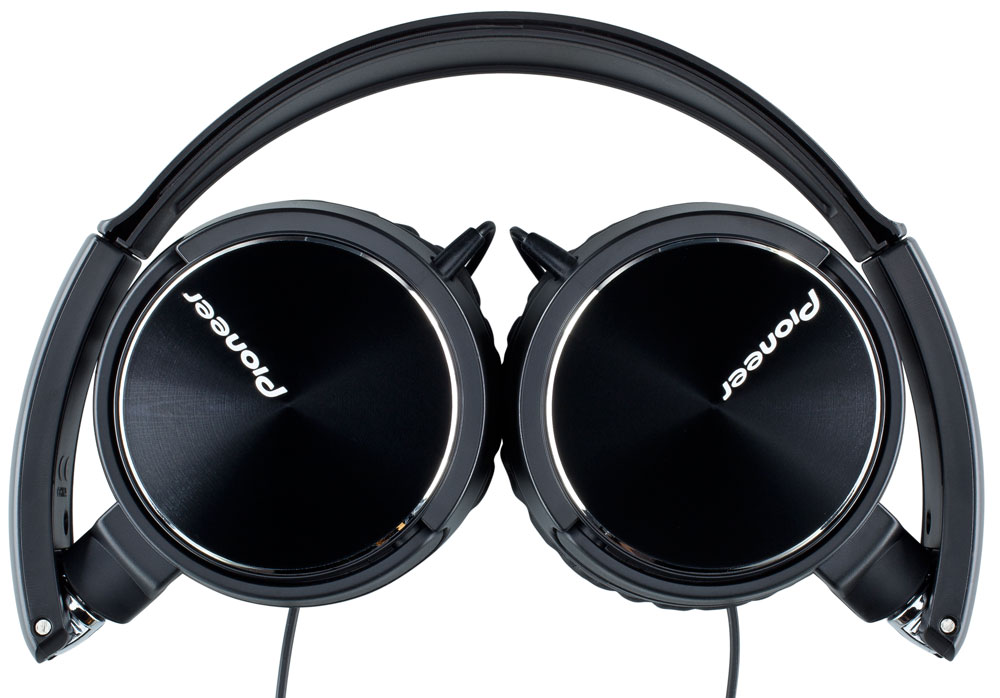 pioneer headphones. the pioneer se-mj71 headphones