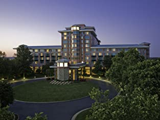 Overnight Stay at Four Diamond Northern Virginia Resort with Wi-Fi, Parking, and More