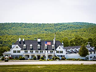 Two-Night Stay at Romantic Maine Inn, Including Breakfast, Parking, and Welcome Bottle of Wine