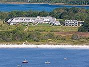 AAA Four-Diamond Oceanfront Maine Resort with Breakfast
