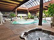 Lakefront Sturbridge Hotel Stay with Wi-Fi and Parking