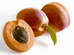 Image of fresh apricots.