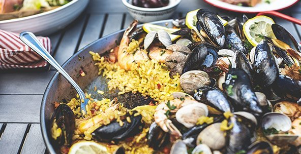 THE SPANISH TABLE - PAELLA COOKWARE