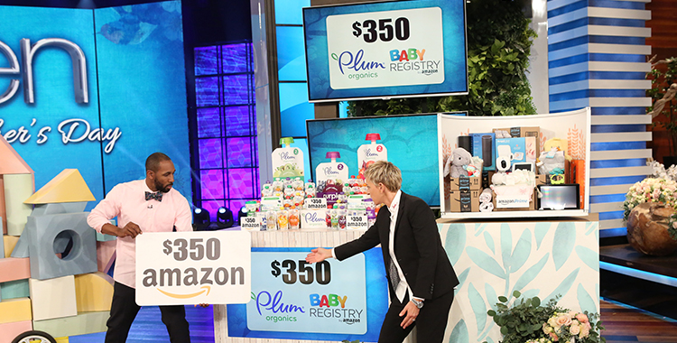 Image of Ellen revealing a $350 gift card for Amazon.