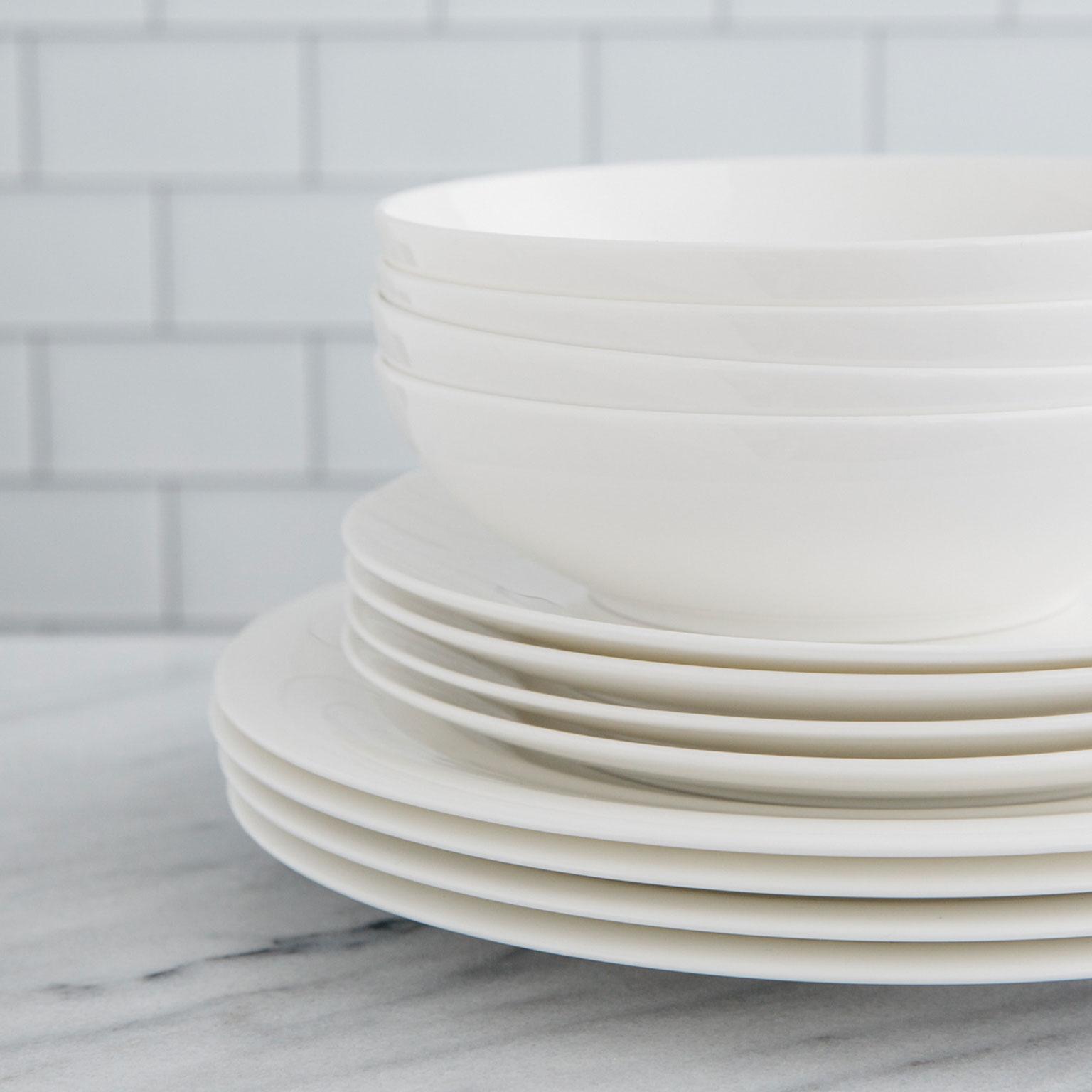 White dinnerware sets  sc 1 st  Amazon.com & Amazon.com: Dining \u0026 Entertaining: Home \u0026 Kitchen: Glassware ...