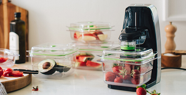 KEEP FOOD FRESH WITH FOODSAVER