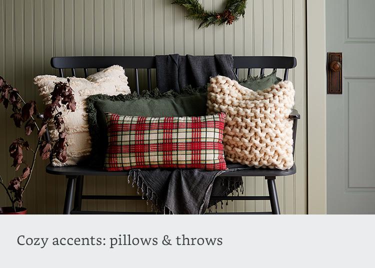 Cozy pillows & throws