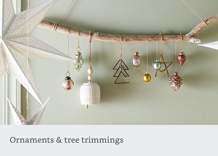 Ornaments & tree trimmings