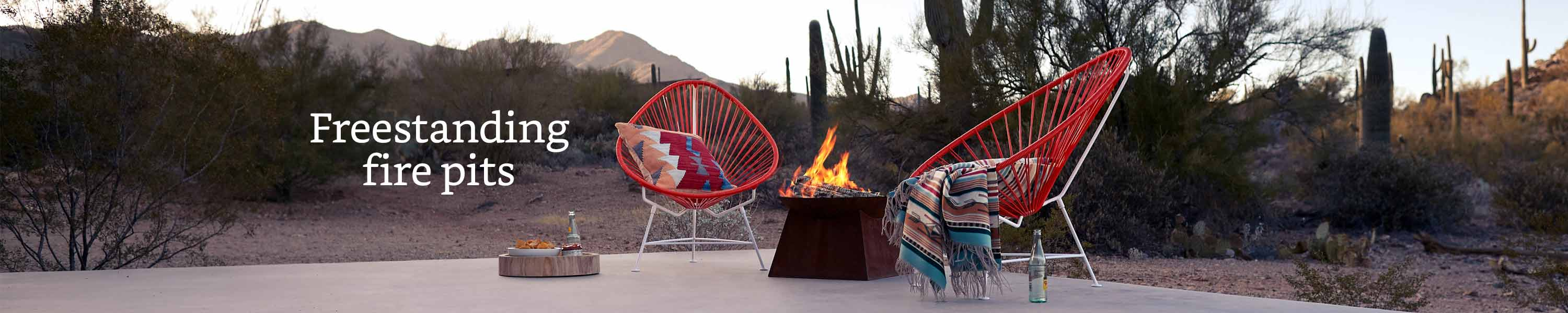 Freestanding fire pits