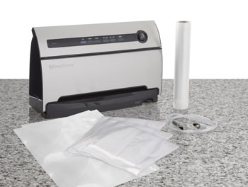 FoodSaver V3835 includes 3 quart-size bags, 2 gallon-size bags, and a roll of bag material