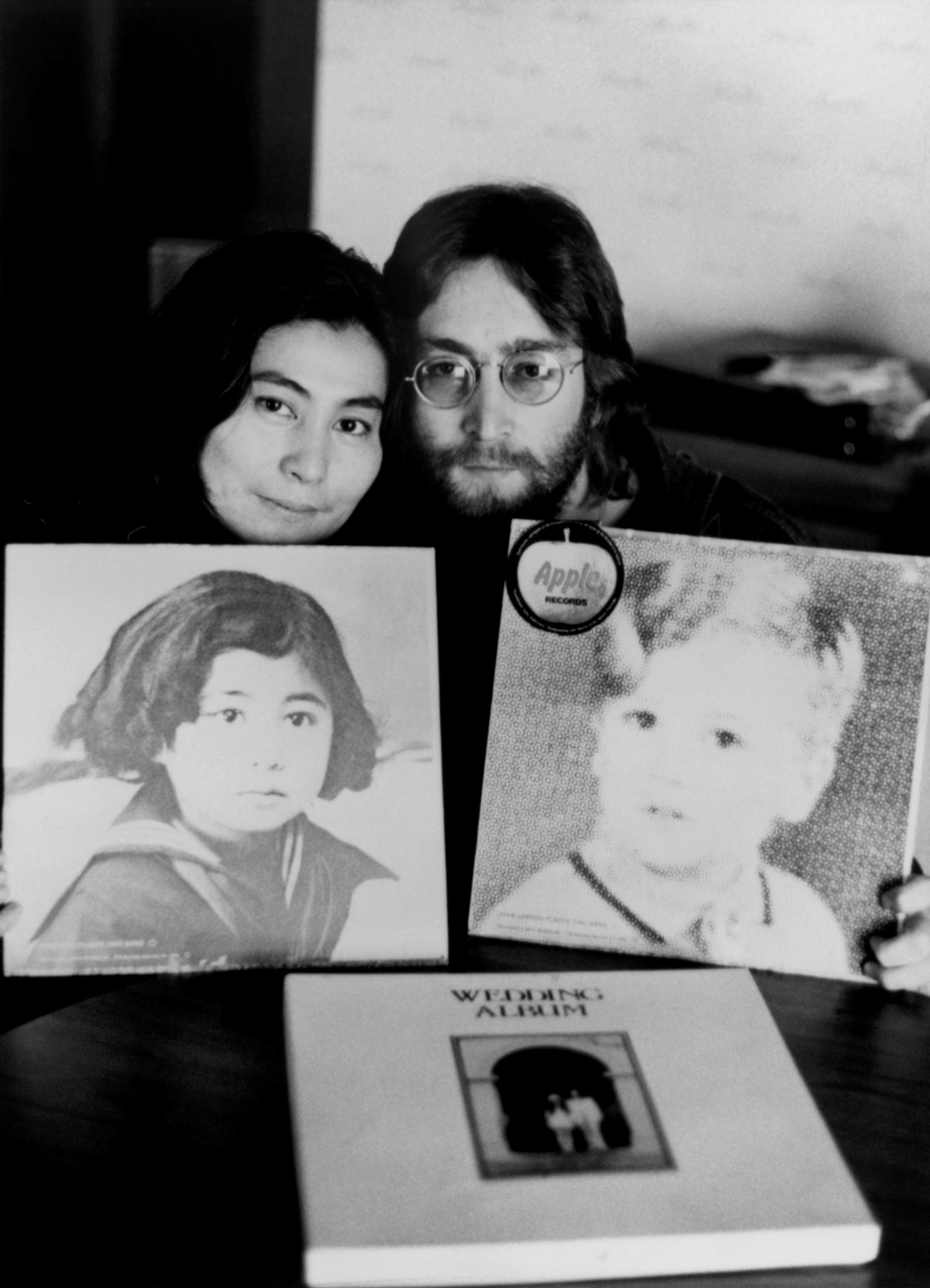 John Lennon Yoko Ono Double Fantasy Amazon Com Music