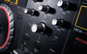 Numark Mixtrack Pro II Detail Image