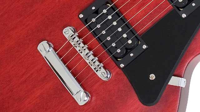 Amazon.com: Epiphone Les Paul STUDIO Electric Guitar, Worn Cherry ...