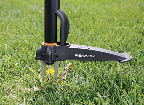 Fiskars uproot weed and root remover 7870 for Best garden tools brand
