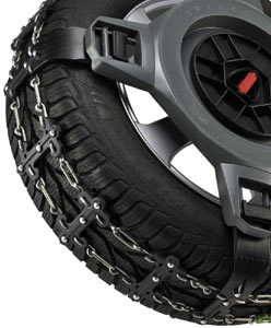 Closeup of the traction arms and chain traction strip combination of the Spikes-Spider Sport Series Winter Traction element