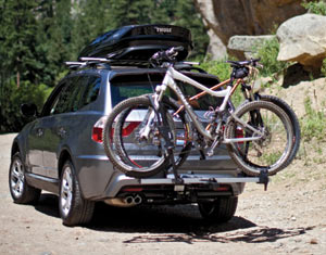 The Thule 611 Boxter Rooftop Cargo Box combined with a bike rack on a car & Amazon.com : Thule 611 Boxter Rooftop Cargo Box : Bike Cargo Boxes ...