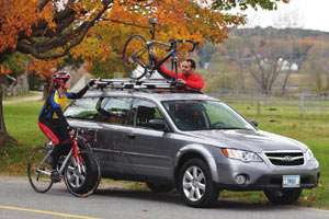 Lifestyle image of rider using the Thule Domestique Fork Mount Bike Carrier
