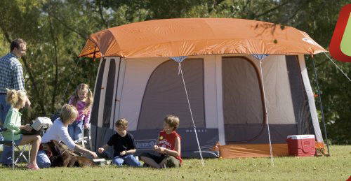 The spacious Denali tent will sleep up to six c&ers comfortably. & Amazon.com : Coleman Denali 14-Foot by-10-Foot 6-Person Tent ...