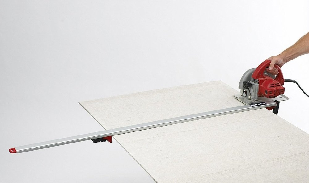7 Must-Have Circular Saw Guides for Safety and Precise Cutting