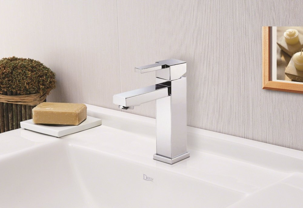 D225533BN Reef Single Handle Lavatory Faucet