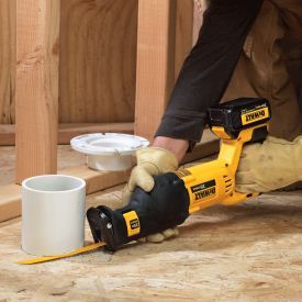 DEWALT DCS380L1 reciprocating saw