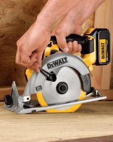 DEWALT DCS391L1 circular saw