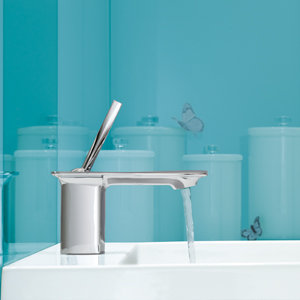 Using innovative valve and trim options, Stance faucets combine clean