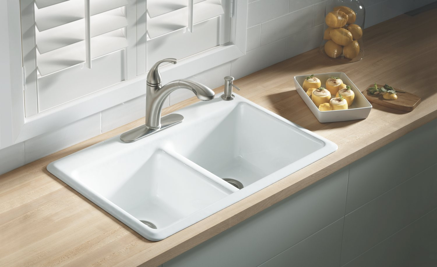 Tips for choosing a kitchen sink tolet insider - Cast iron sink weight ...