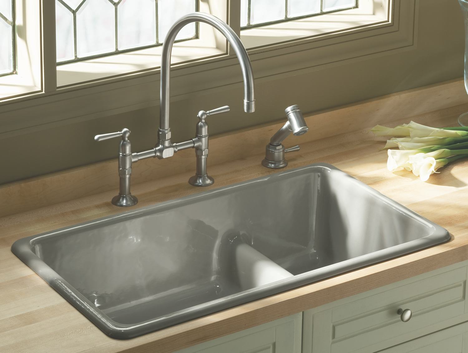 Self Rimming Kitchen Sink Image. Source: Amazon.com
