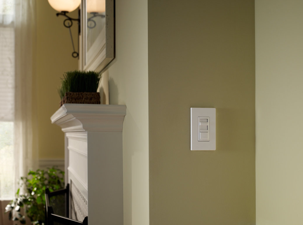 Leviton IPL06-10Z IllumaTech Universal 150-Watt LED and CFL/600-Watt ...