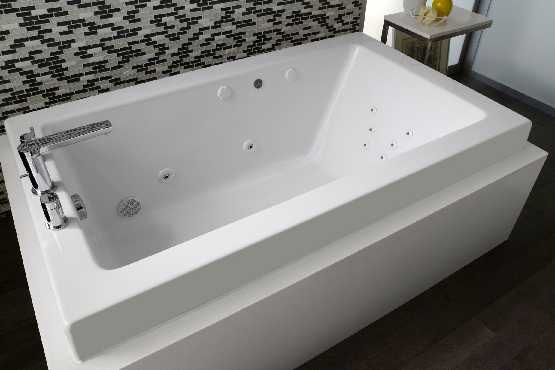 Large whirlpool bathtubs 28 images amazon com bathtub for Japanese whirlpool tub