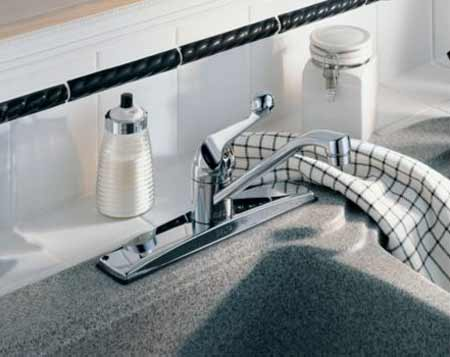 Delta Faucet 100-WF Classic, Single Handle Kitchen Faucet