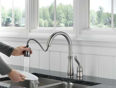 Delta  Dst Leland Pull Down Kitchen Faucet With Magnetic Docking