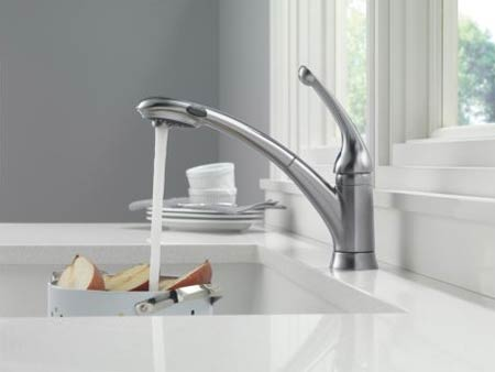 Delta 470-WH-DST Signature Single Handle Pull-Out Kitchen Faucet ...