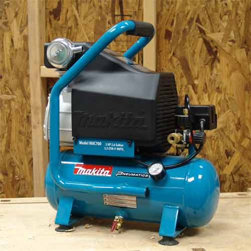 Makita MAC700 Big Bore 2.0 HP Air Compressor - Hot Dog
