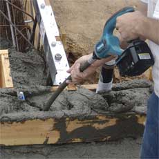 Makita BVR850Z 18-Volt LXT Lithium-Ion Cordless 8-Foot Concrete Vibrator (Tool Only, No Battery)