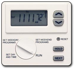 Lux WIN100 Heating & Cooling Programmable Outlet Thermostat