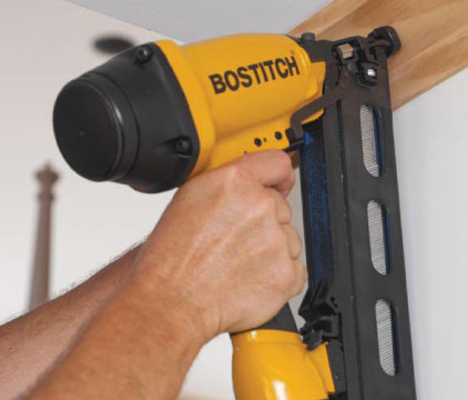 BOSTITCH N62FNK-2 15-Gauge 1 1/4-Inch to 2-1/2-Inch Angled Finish ...