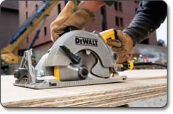 DEWALT DWS535 7-1/4-Inch Worm Drive Circular Saw