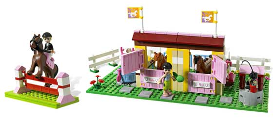 Amazoncom Lego Friends 3189 Heartlake Stables Toys Games