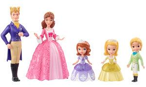 all 5 dolls