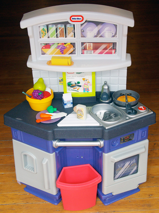 Little Tikes Interactive Kitchen Food