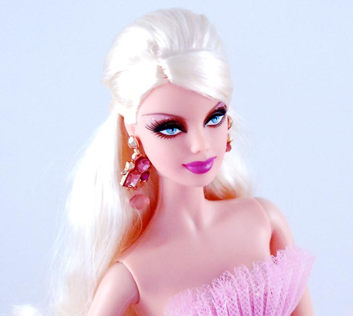 barbie newest values Due to the overwhelming response to the bestselling collector's encyclopedia of barbie doll collector's editions barbie doll: identification & values.