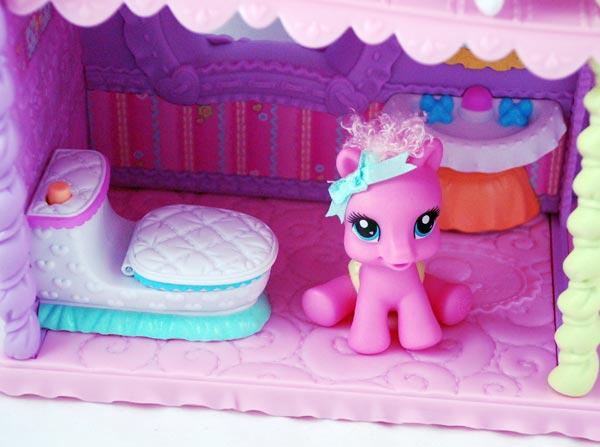Amazon Com My Little Pony Newborn Cuties Playset Toys Games