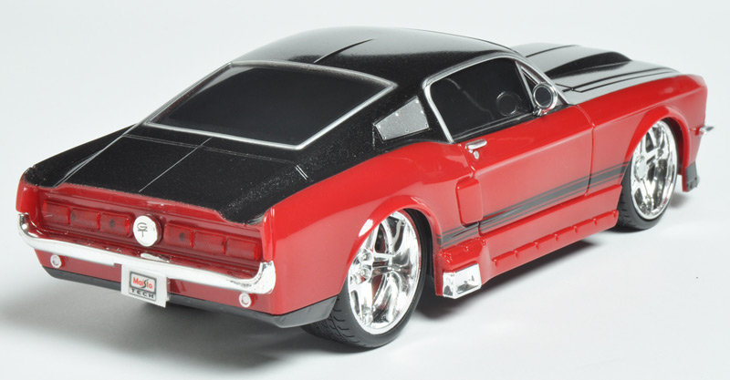 Maisto R/C 124 1967 Ford Mustang Product Shot. This RC car ... & Amazon.com: Maisto R/C 1:24 Scale 1967 Ford Mustang GT Radio ... markmcfarlin.com