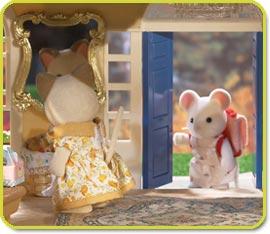 Calico Critters Cloverleaf Manor - livingroom